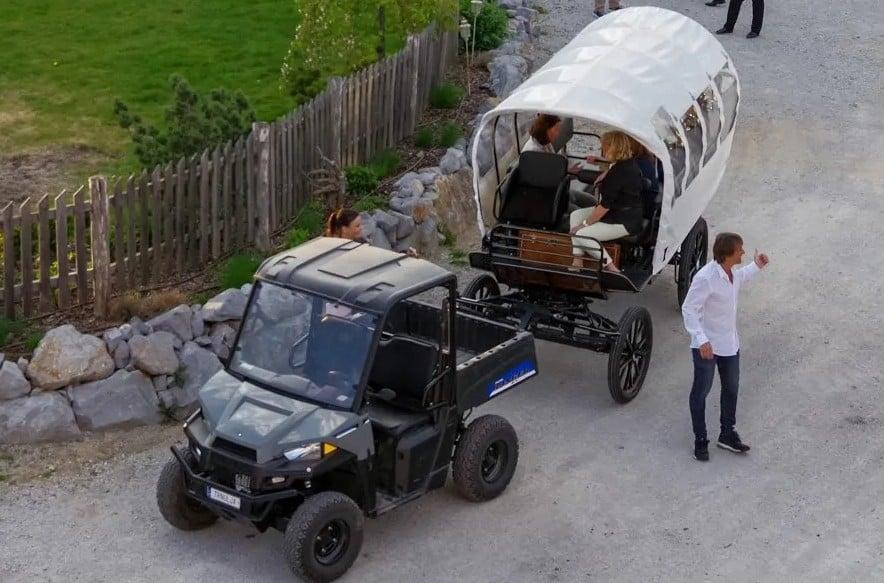 Z električno kočijo po barju [lahko tudi z vodičem]