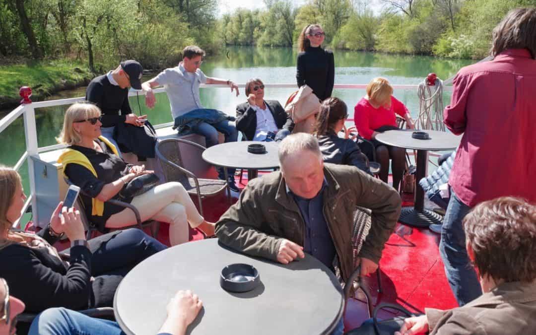 Team building z vožnjo z ladjico po Ljubljanici