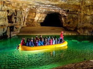 Enodnevni izleti za zaključene skupine -Križna jama