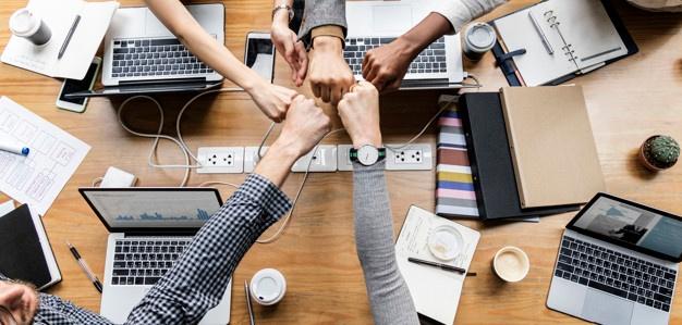Team building za podjetja – koristi in načini izvedbe